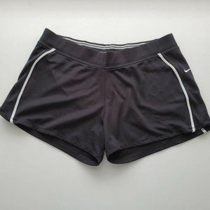 NIKE Womens Black Athletic Shorts Size L (12-14)